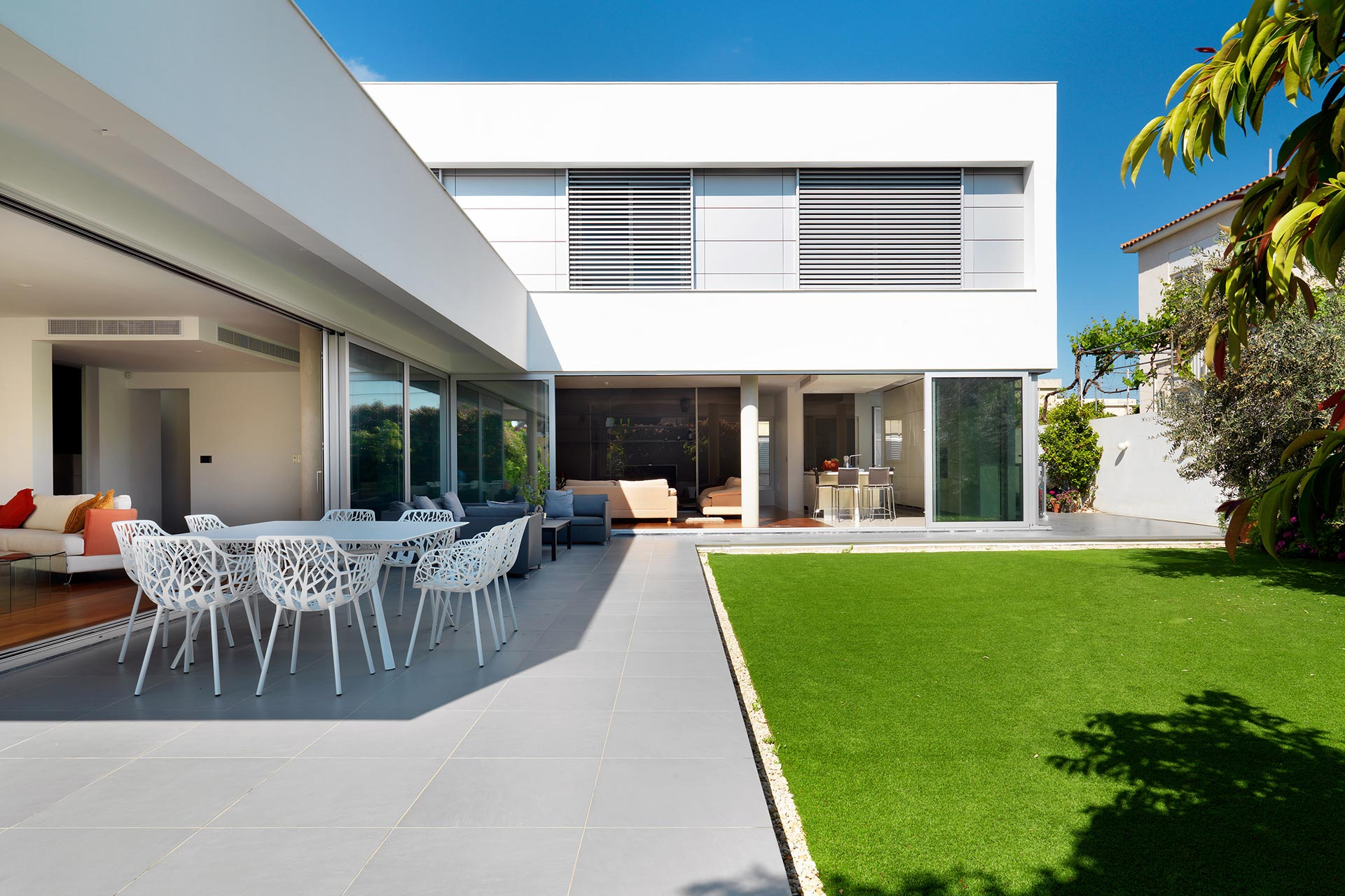 Modern home in Nicosia with BL products. - ^
